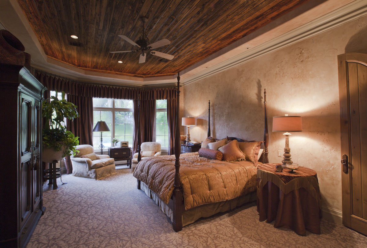 italianate mediterranean bedroom