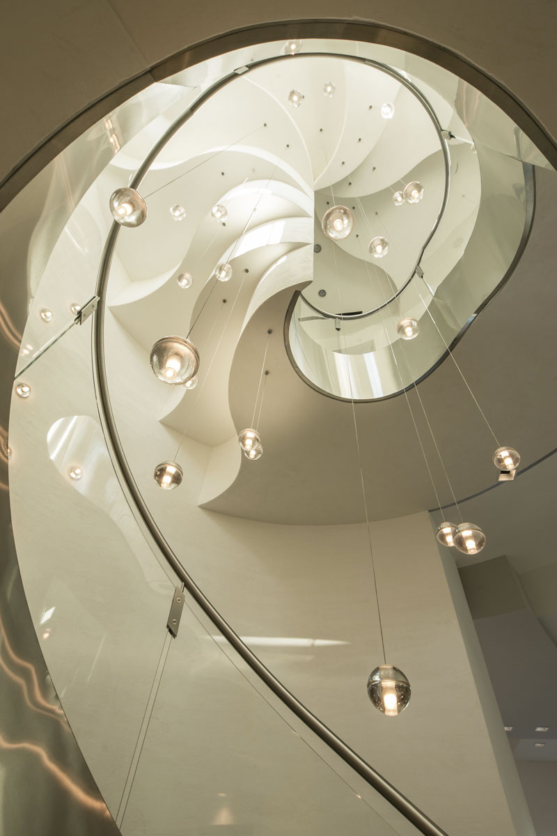 custom lake pointe contemporary staircase