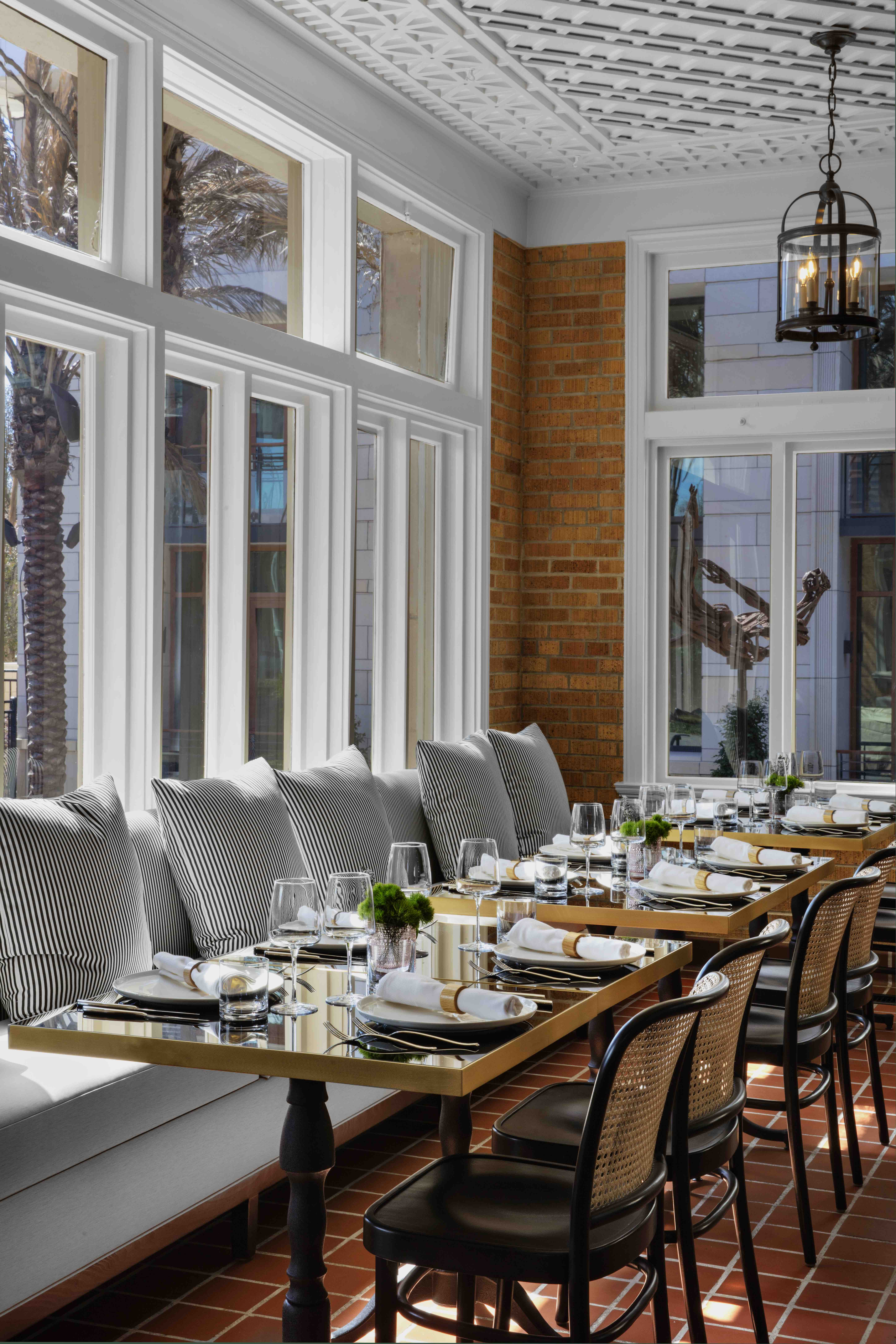 la colombe d'or outdoor dining 3