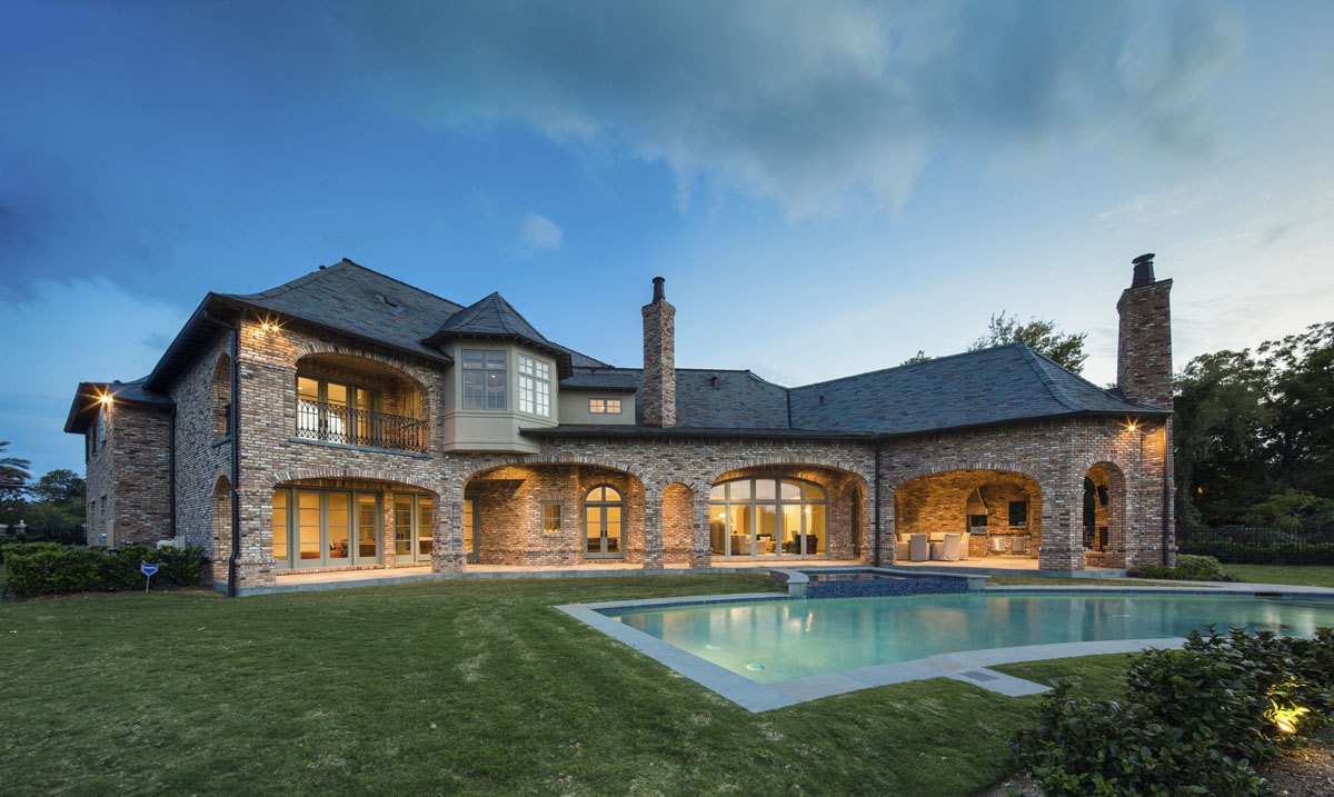 luxury home backyard houston