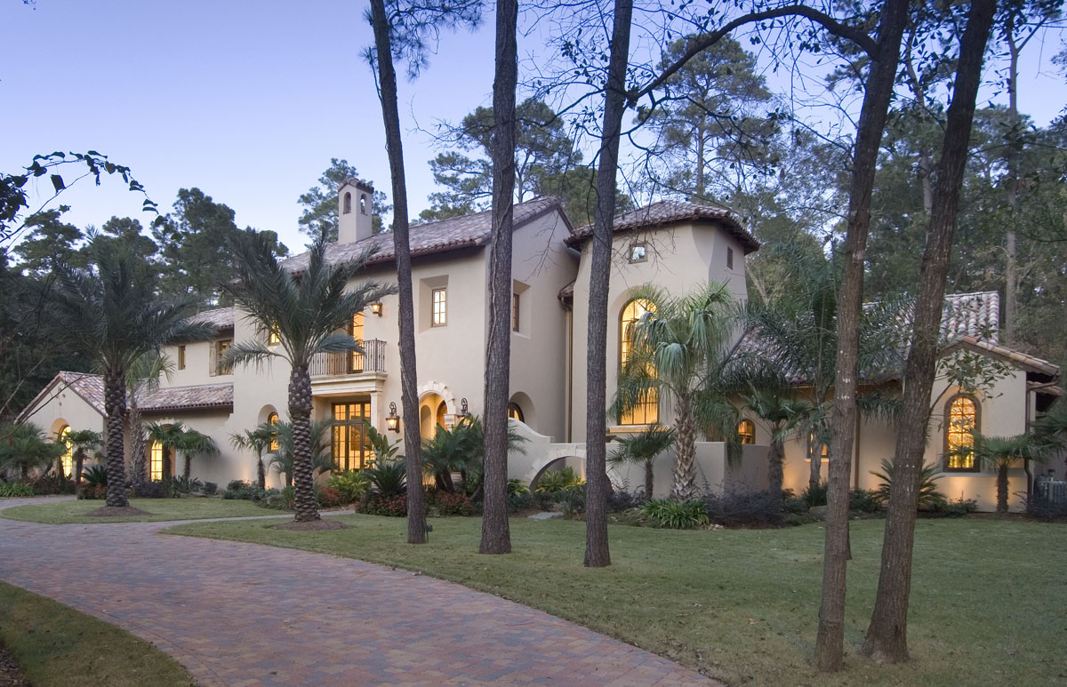 spanish colonial home exterior