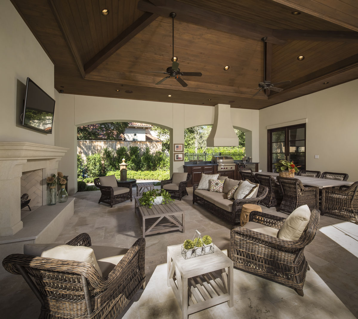 memorial manor outdoor living room