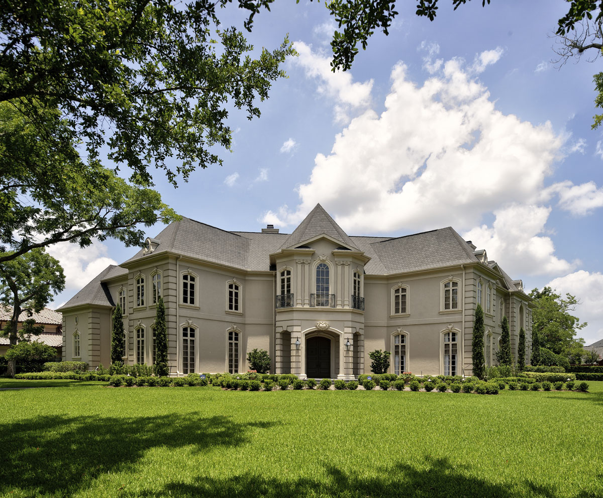 french manor front exterior