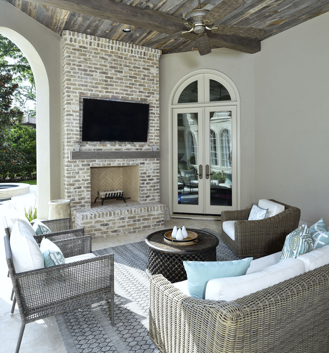 french manor outdoor lounge