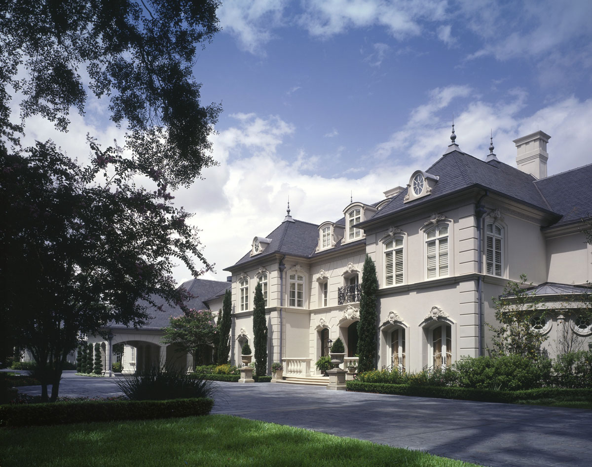 Front french chateau
