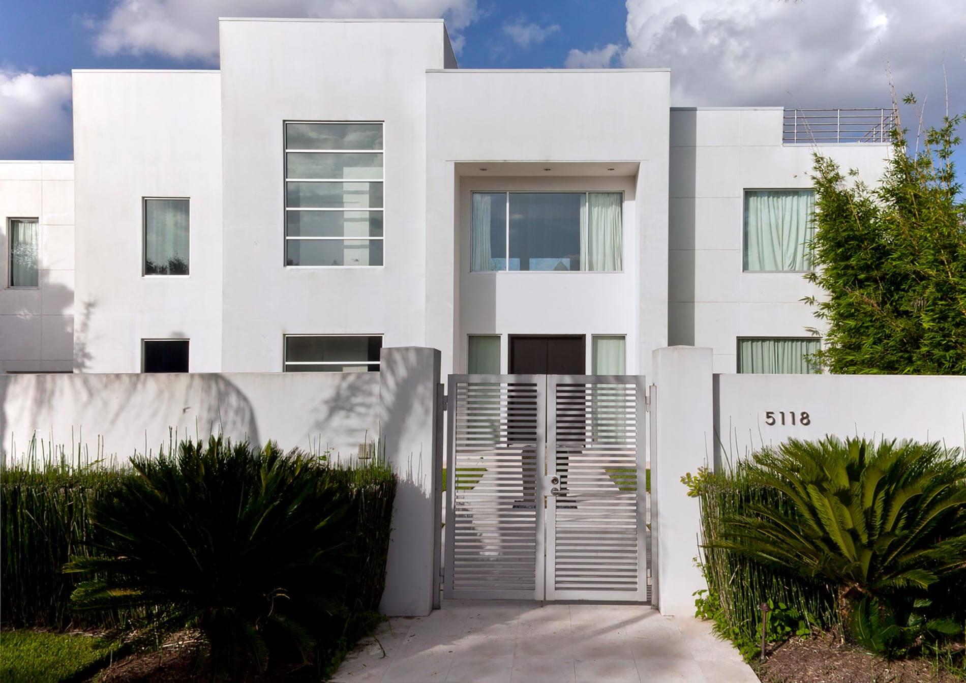 custom contemporary home houston
