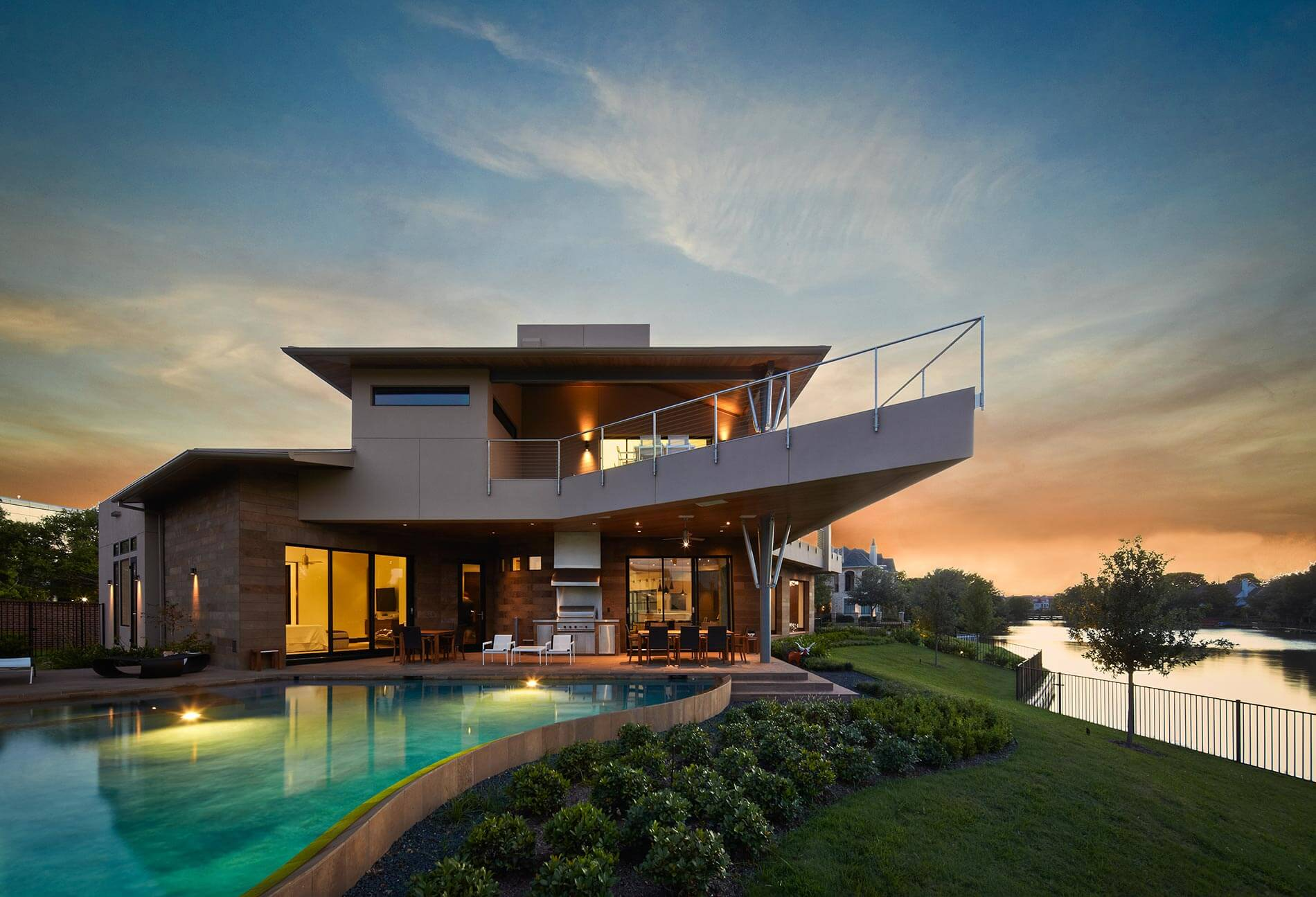 modern lakefront house