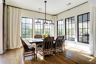 Transitional luxury home dinning room