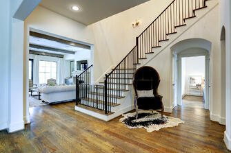 Transitional luxury home staircase landing