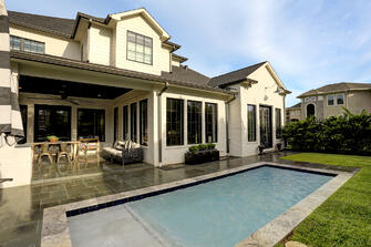Transitional luxury home pool