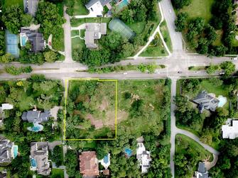 1.24 acre building site on the corner of Memorial Drive and Way Manor