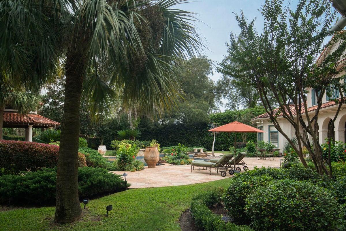italianate mediterranean back yard design