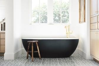 english manor bathroom black tub