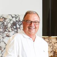 sims luxury builders construction manager bob daigle