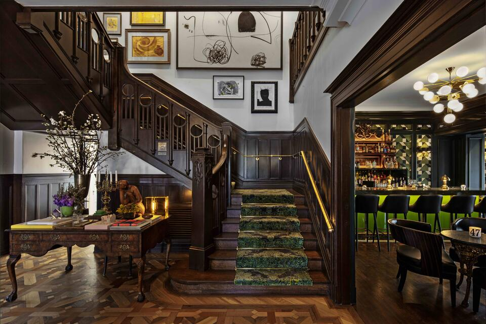 la colombe d'or stairs