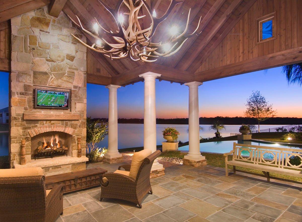 custom louisiana acadian outdoor lounge